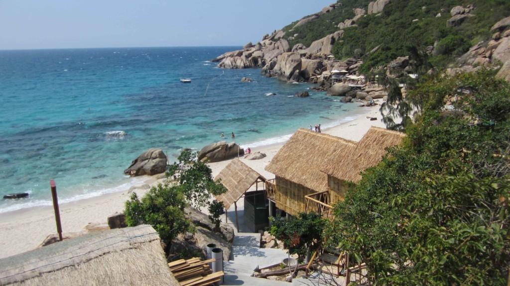 """Du lịch đảo Bình Ba """"check-in"""" khu nhà gỗ view biển cực đẹp"""